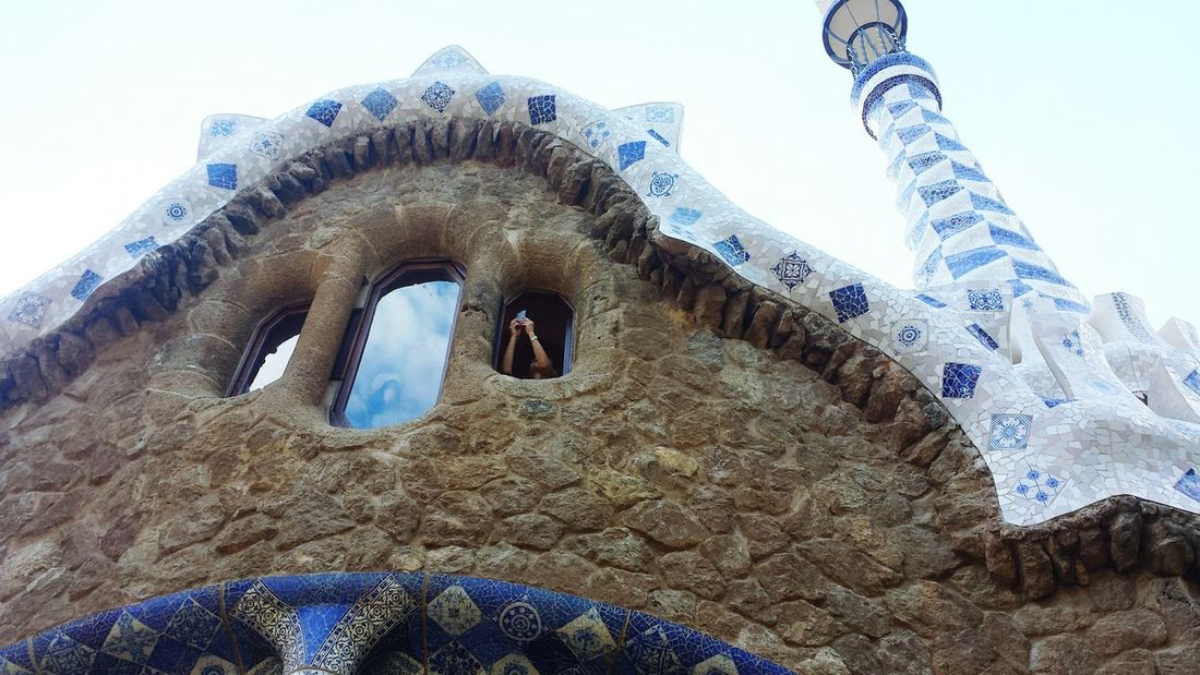 Park Guell Hello World Have A Lot Of Fun  Enjoying This Beautiful Wheather Wow! Relaxing View Barcelona Beauriful KunterbuntEnyoing Life