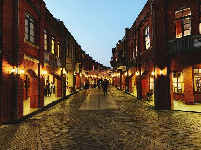 老巷 Architecture Built Structure Building Exterior The Way Forward Direction City Street