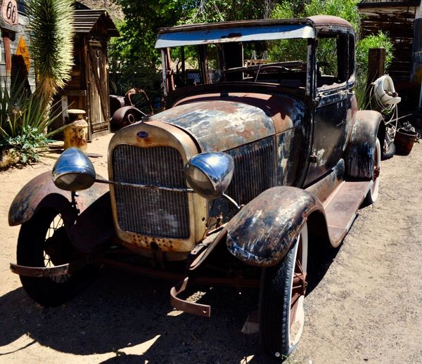 Fast wie neu 😉🎉✨ Mode Of Transportation Transportation Sunlight Land Vehicle Day Car My Best Photo Retro Styled Abandoned Motor Vehicle Nature Stationary No People Metal Vintage Car Obsolete Shadow Old Tree Headlight Outdoors Transportation One Person Sunlight Tree Nature Travel Adult