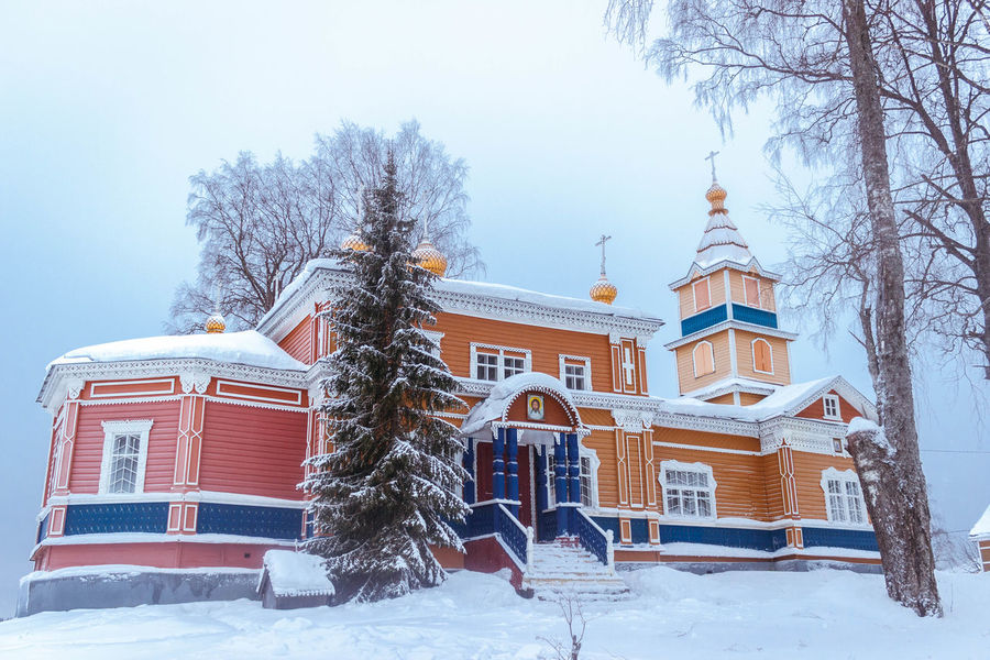 Vazheozersky Spaso-Preobrazhensky men's monastery Amazing Architecture Beautiful Building Exterior Built Structure Church Cold Cold Temperature The Architect - 2017 EyeEm Awards Karelia Monastery Nature No People Outdoors Russia Sky Snow Tourism Tree Winter зима карелия красота монастырь Россия