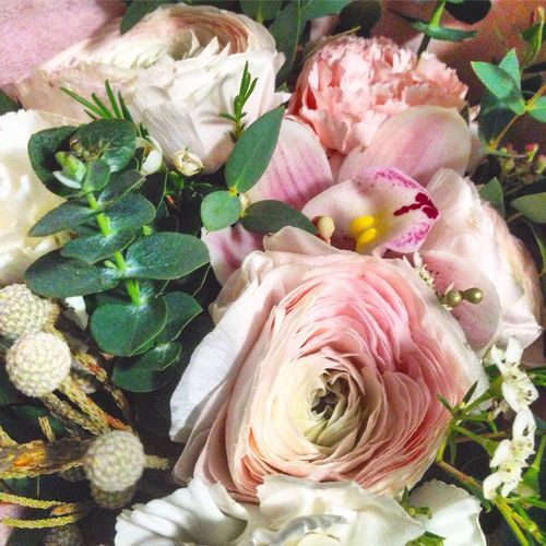 Flower Rose - Flower Bouquet Leaf Flower Head Petal Peony  Freshness Plant Pink Color Indoors  Nature Beauty In Nature Fragility No People Close-up Day