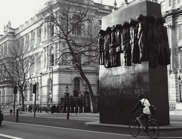 Women Of World War II Memorial, Whitehall Gx7