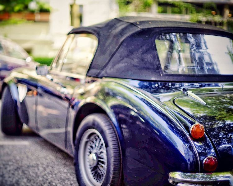 Oldtimer Oldtimer Car Mode Of Transportation Transportation Motor Vehicle Land Vehicle Day No People Glass - Material Retro Styled Reflection Road Stationary Focus On Foreground Close-up Vintage Car Outdoors City Windshield Street The Street Photographer - 2018 EyeEm Awards