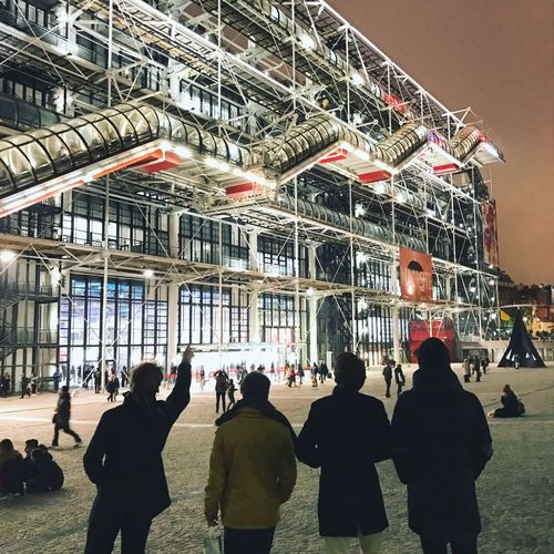Centre Pompidou Men Real People Pompidou Center Paris Night Industrial Architecture Renzo Piano Group Of People