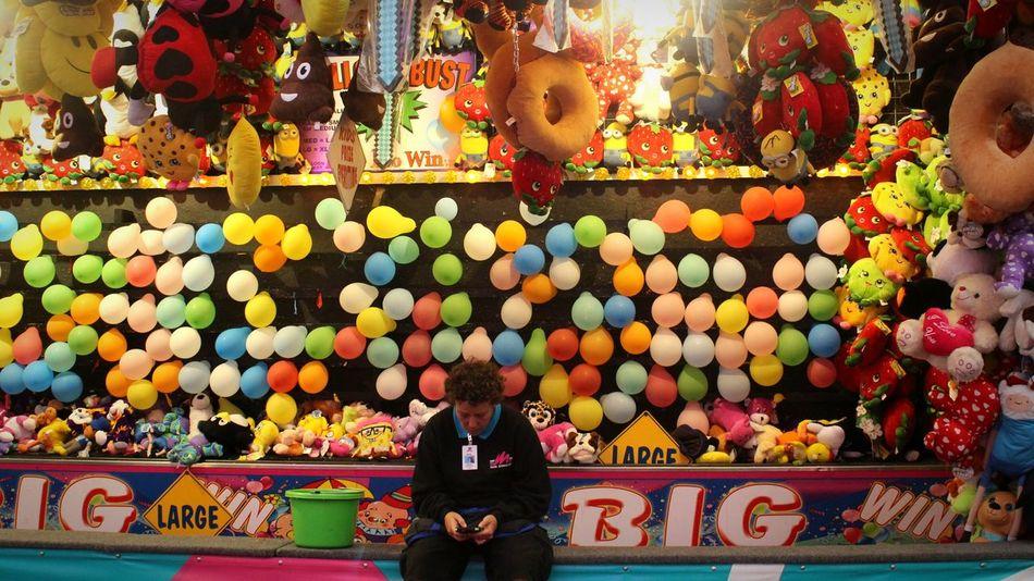 Waiting game. Fiesta Carnival Satx