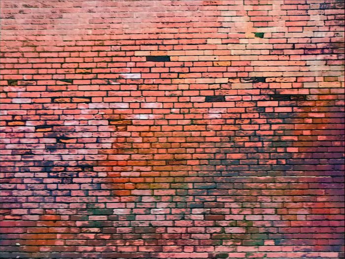 27/06/17 Urban Exploration Streetphotography HuaweiP9 HuaweiP9Photography Onephotoaday Street Photography Brick Wall Textured  Colors EyeEmNewHere