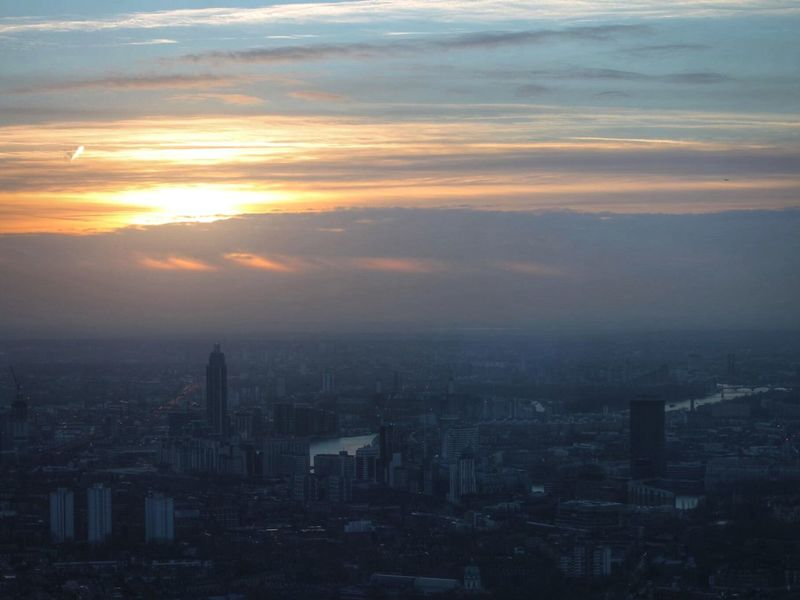 Beautiful sunset view from The Shard Check This Out Enjoying Life City Of London Streamzoofamily Skyline Lights Beautiful Theshard The Purist (no Edit, No Filter) The ShardThe Shard By Night From My Point Of View London Enjoying The View View From The Shard EyeEm Best Shots Pmg_lon
