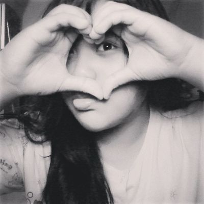 Good Night ~ Selca Takeaselca Me Myselca myself girls asian indonesia love heart eye black and white TagsForlove liketolike likeme likethis followme