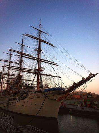 連休最後はお散歩で(^-^) Discover Your City Shilouette Sailing Ship