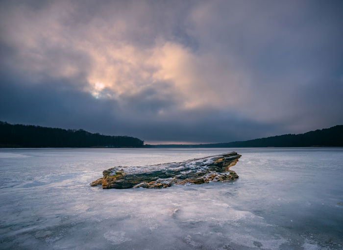 Frozen lake and winter landscape with a dramatic sky Beauty In Nature Brandenburg Dramatic Dramatic Sky Frozen Frozen Lake Frozen Nature Lake Landscape Nature No People Outdoors Peaceful Silence Straussee Stub Sunset Water Wilderness Winter