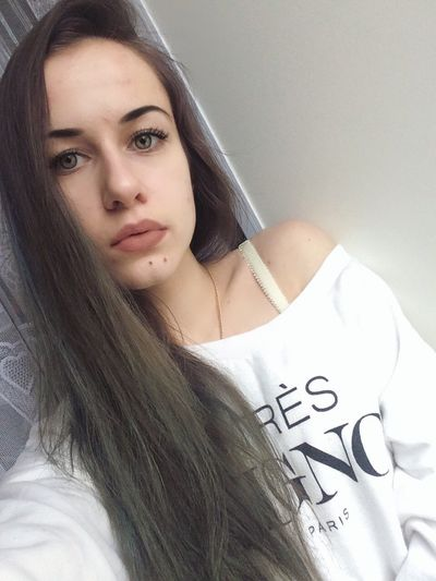 Portrait Good Morning That's Me Fashionable Model Makeup Selfie ✌ Cute Long Hair Good Times Beautiful People Home Sweet Home Amazing Beautiful Girl