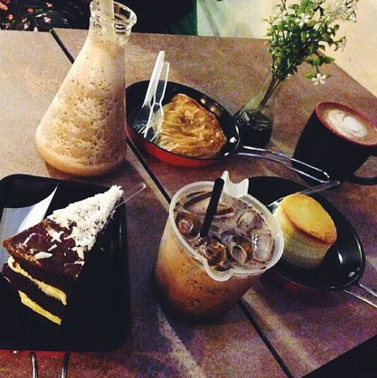 Foodporn beautiful and unique style at chemistry cafe+lab.I'm just love the conical flask♥ Shah Alam Seksyen7 Chemistry Cafe