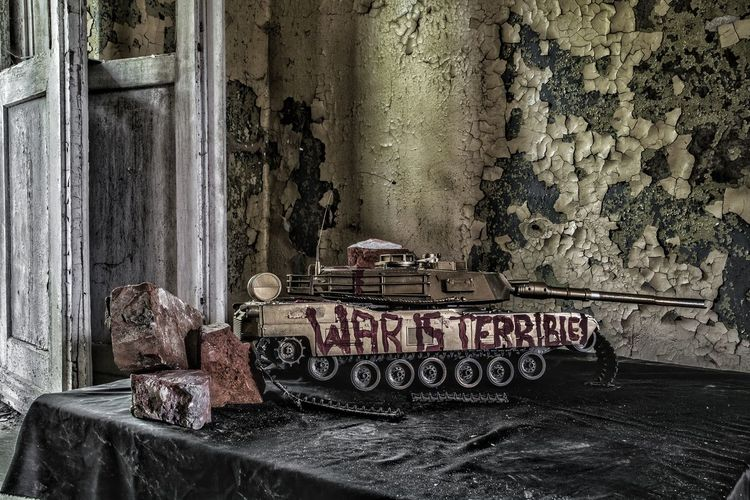 //| fck war |\ https://youtu.be/tHHWV0FtFuI https://youtu.be/oeFwTPyhY8Y Tank Panzer Urbex Urban Urban Exploration Lost Place Lost Lostplaces Photography EyeEm Best Shots EyeEmNewHere EyeEm Selects EyeEm Gallery First Eyeem Photo Verlassene Orte Abandoned Places History EyeEmBestPics Rotten Photo Haunted War Old Architecture Graffiti Spray Paint Wall Street Art Information Vandalism