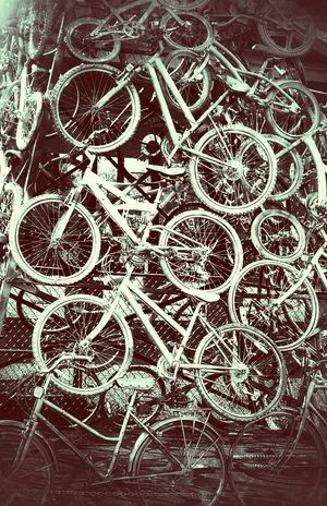 Bicycles Everywhere Wheels Bikeporn Schwinn Twowheels Bikesaroundtheworld Velocipede