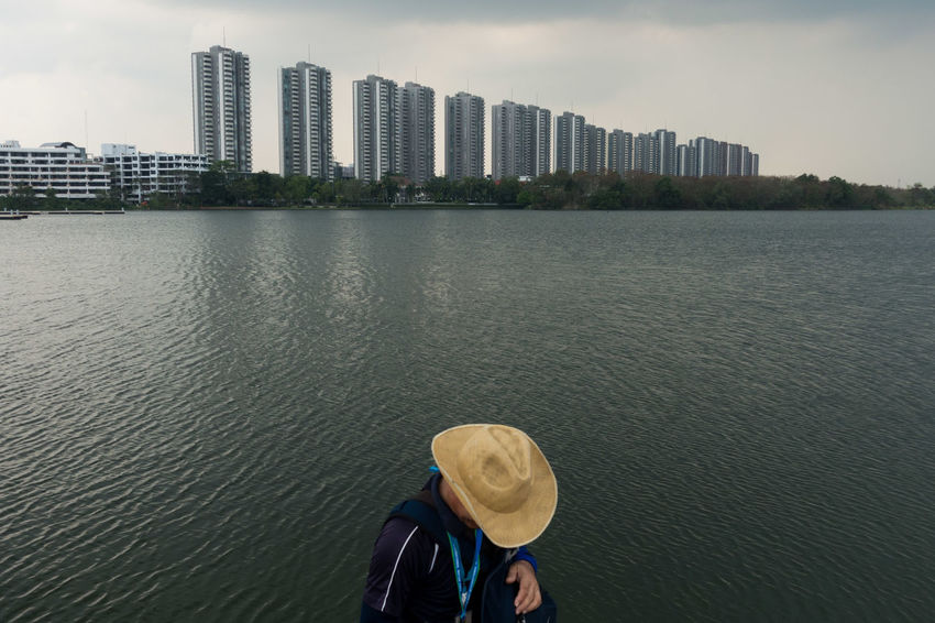 Lake Lake View One Person Outdoors People Sony Sony RX100 IV Street Photography Streetphotography Thailand Urban Skyline Water EyeEmNewHere The Street Photographer - 2017 EyeEm Awards