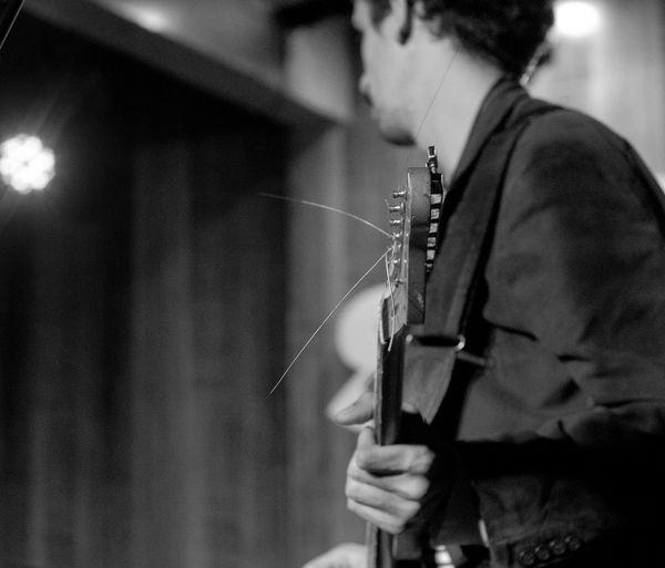 Musica Photoart Music Vitaonatureza Show Nikon D7000 P&B Fotografia BP Pretoebranco Guitarra Phtographydocumentary Brackandwhite Olharnatural Nikonphotography Fotografiaéarte Victornatureza Thebrisantinos Rock Guitar Nikon Photography