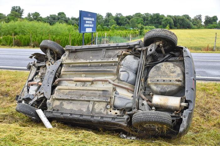 Crash Accient Car Damaged Field Grass Land Vehicle Transportation