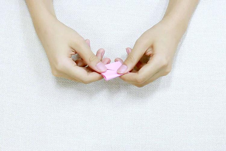 折纸 Human Hand Hand Women Art Paper Handwork Handmade By Hand Manual Paper Folding