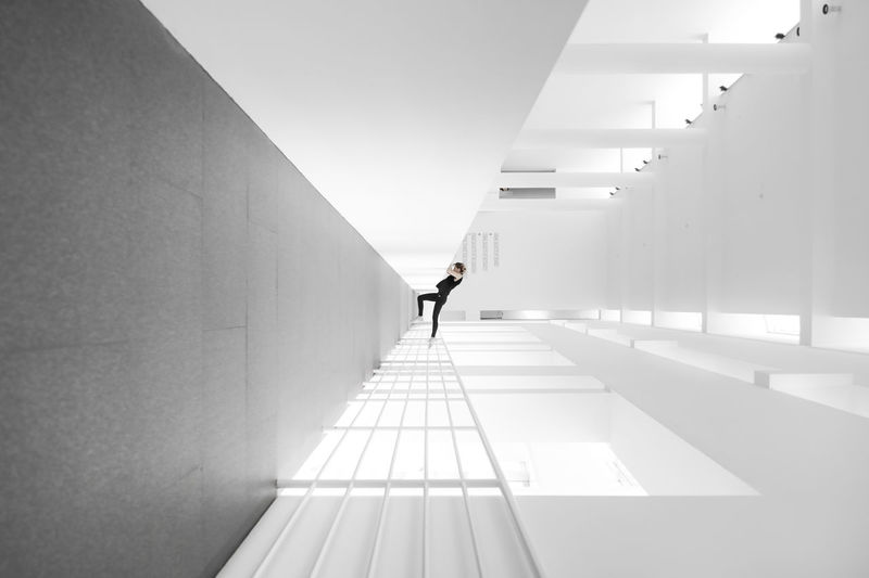 Every peak is within reach – MACBA Museum (Barcelona) Modern Art Viewpoint Streetphotography Light And Shadow Building Interior Architecture Successful Climbing Minimalism Macba  Museum Sunlight Modern Architecture Perspective Yoga Diminishing Perspective Full Length The Way Forward Lifestyles One Person A New Perspective On Life Creative Photography Inverted EyeEm Selects