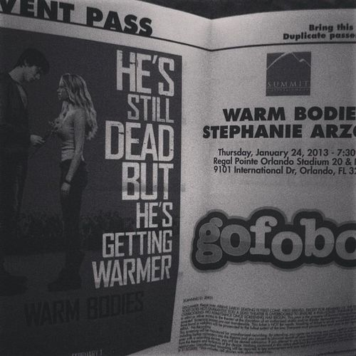 Waiting to watch the screening of Warm Bodies ?