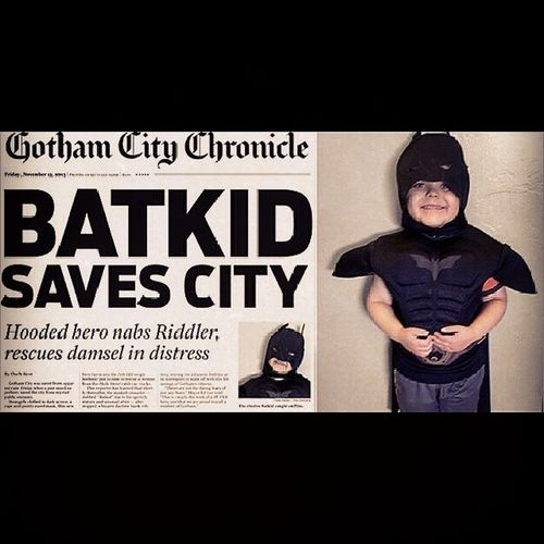Screw Ben Affleck becoming the Caped Crusader, as awesome as that was, this is the best Bat news of the year :D this lil fella had leukaemia and is now in remission, thanks to the Make-A-Wish Foundation and thousands of kind, generous people in San Francisco this lil guy has his wish of being Batman for the day granted :) Faith in humanity restored! Batman Batmanfamily FamilyOfBats Sfbatkid Sanfrancisco Makeawishfoundation