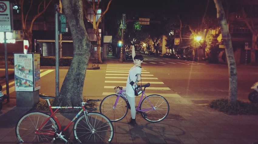 nite nite party Hi! Fixie/fixed Gear Fixed Bike Hanging Out