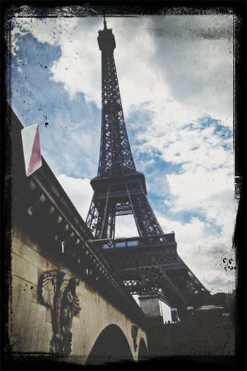 LOVE.PARIS.CLOUDS