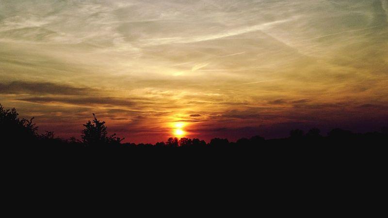 Sunset Landscape Nature Beauty In Nature Sunlight Sky Dramatic Sky Atmospheric Mood Silhouette Cloud - Sky Skye Sundown Sunset_collection Sunsetphotographs Sunsets Sunsets Of Eyeem EyeEmNewHere