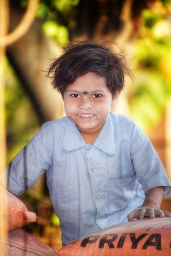 Portrait Child Smiling Tree Cheerful Happiness Childhood Looking At Camera Boys Males  My Best Photo Stay Out The Portraitist - 2019 EyeEm Awards The Photojournalist - 2019 EyeEm Awards The Street Photographer - 2019 EyeEm Awards