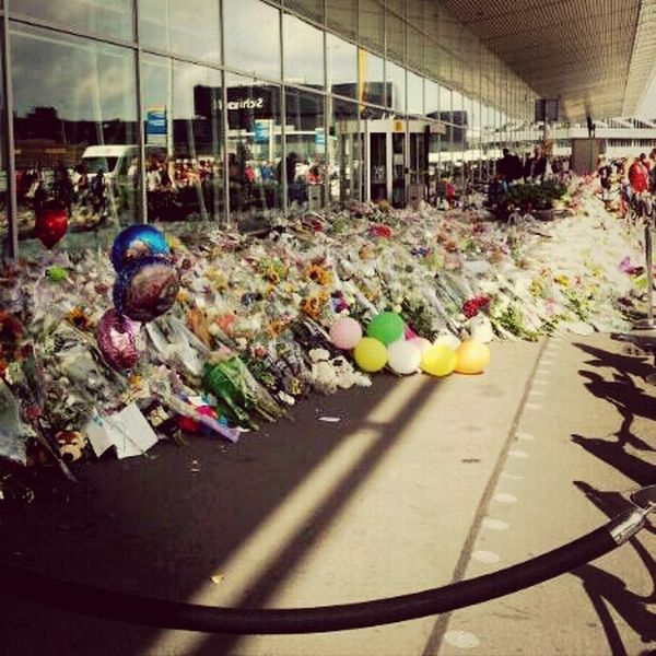 Pray For MH17 Amsterdam Airport Schiphol Respect