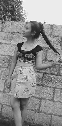 Blackandwhite Girl Hair Flowers Ropa