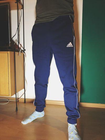 Jogginghose und Bananen Socken Pants Jogginghose EyeEm Selects Indoors  One Person Standing Low Section Real People Human Body Part Men Human Leg Body Part Adult