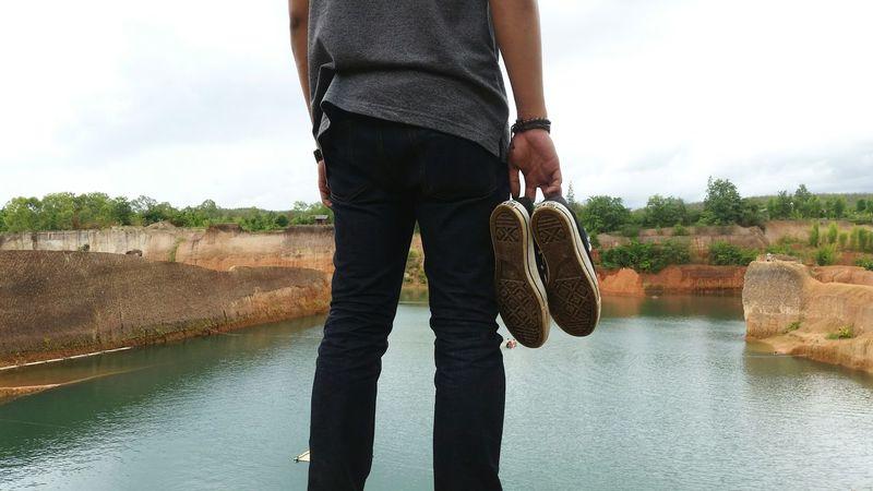 Lifestyle Jumper Waterfall Thailand Chiangmai Grancanyon Converse Man Boy Enjoy Life Finding New Frontiers