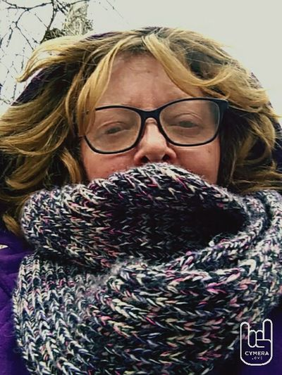 That's Me Welcome To My World Bus Stop Welcome To Missouri Freezingcold Oneday Spring Like Weather The Next Hello World My Little Corner Of The World Smartphonephotography Selfie ✌
