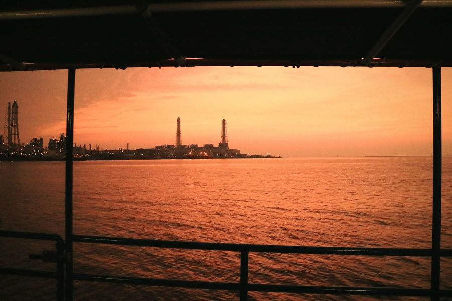 Sea Tokyobay Bay Boat Sunset Sunsets Orangesky Eveningglow Factory Chimney Japan