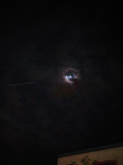 noche nubosa