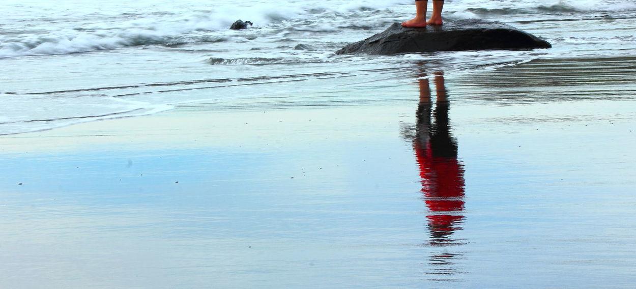 Reflection Reflection Time Time To Reflect Thoughts Of You Walk Along The Beach Surf Broken Lines Raglan Beach Raglan Nz