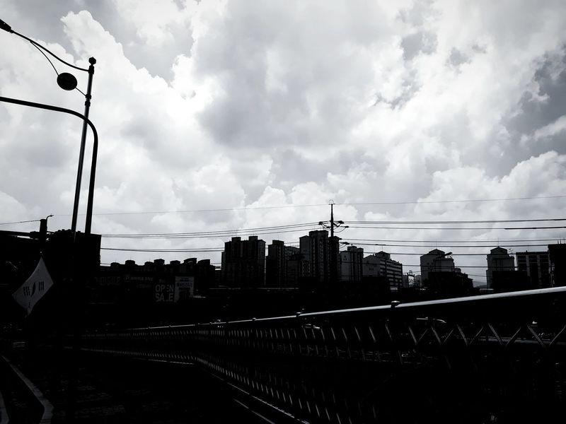 외출 건물 Outdoors 길 구름 하늘 Korea 풍경 흑백사진 필터 Black And White Treval City Sky Cloud - Sky