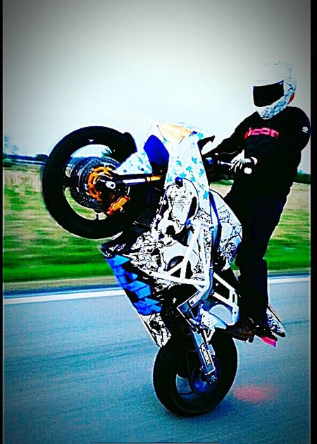 2 Wheel Fam Minnesotalife Life On 2 Wheels Bout That Bike Life Stunts Of Anarchy Enjoying Life Stunt Stunting Wheelie ZX636 Kawasaki Ninja