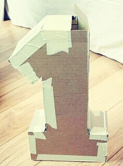 PRIMER AÑITO Hardwood Floor Wood - Material Indoors  Cardboard Box No People Day Close-up First Eyeem Photo