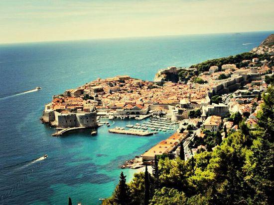 Hoy extrañé esa nada que había entre tu y yo, sutil y callada, sobrentendida y total. Croacia I Love This Place Sea Be Water