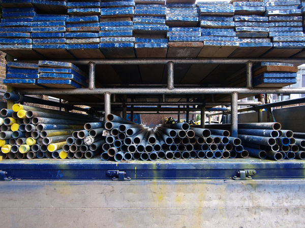Scaffolding. 19-07-2017 Blue Builders Flatbed London Olympus Scaffolding Steve Merrick Stevesevilempire Truck Work Zuiko