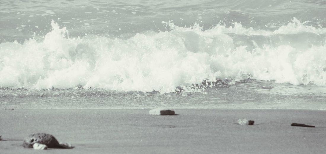 Enjoying Life Summertime Fujifilm Waves Crashing Beachphotography Lifeisabeach Beach Sea Relaxing Morning