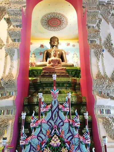 ไหว้พระที่วัดอนาลโยทิพยาราม วัดอนาลโยทิพยาราม ดอยบุษราคัม พะเยา Watanalyothippyaram DoiBussarakam Phayao Thailand