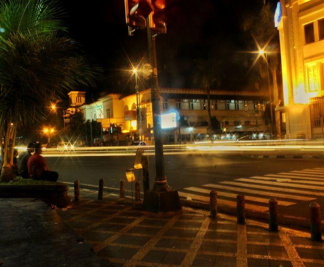 "another side of ""0 km"", yogykarta, indonesia Streetphotography Jalanjalanjogja Jalanjalanmen Bulbphotography Holiday Wonderful Yogyakarta Citynight Yogyakarta Amateurphotography Wonderful Indonesia"