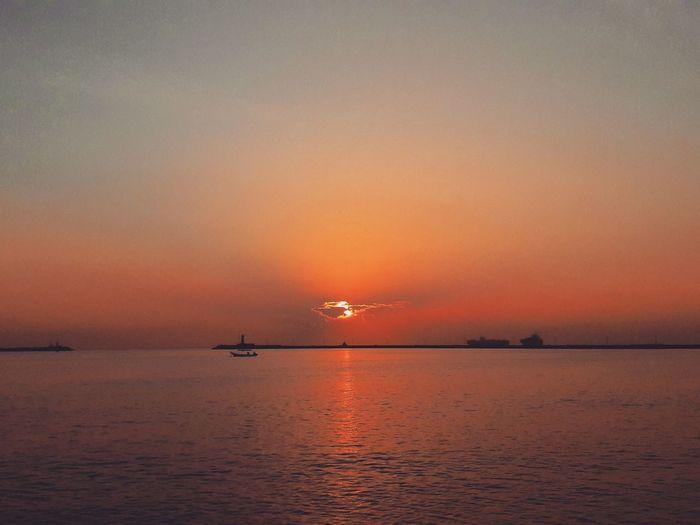 Water Sea Sky Sunset Beauty In Nature Orange Color Sun Cloud - Sky Horizon Over Water