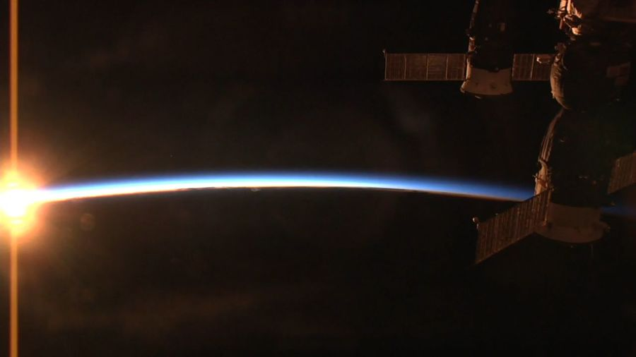 Sonnenuntergang im Weltall ISS Foto Aus Der Iss Weltall Weltraum Space And Astronomy Space SpaceShip Raumstation Earth And Space