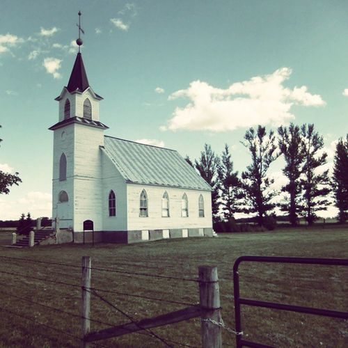There are some quaint little churches in Rural SK  - have you spoken to God recently? Travel Vacation nature ladd00 scenery wilderness canada explorecanada travelcanada prairielife prairies prairieskies landoflivingskies Saskatchewan sask exploresask meandcanada ruralsask