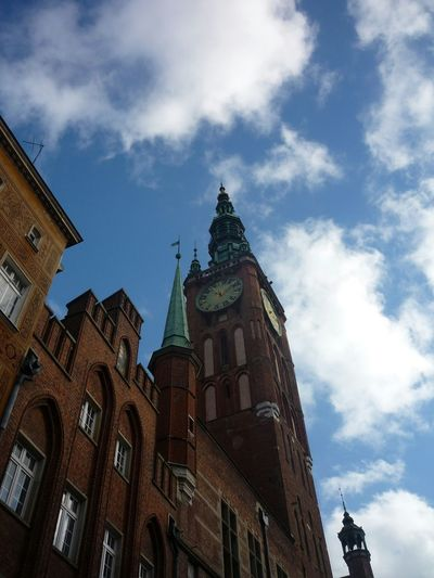 Gdańsk. City Clock Clouds And Sky Cloudporn Building Oldtown My3miasto Trojmiasto Buildings