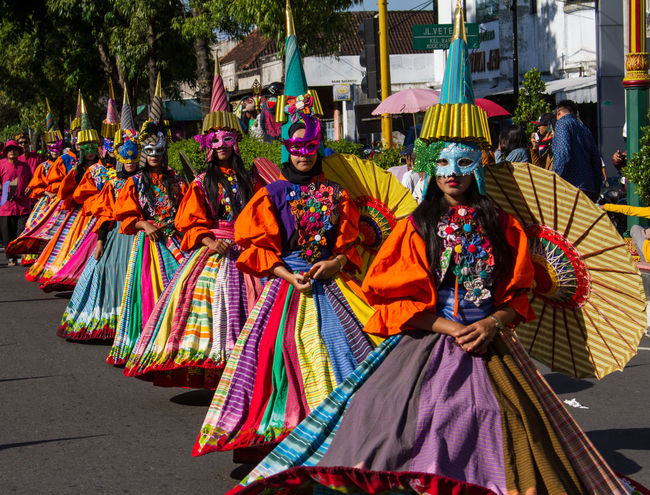 .. lurik costume .. Arts Culture And Entertainment Carnival Crowds And Details Colors Costumes Crowd Cultures Day Event INDONESIA Indonesia_photography Klaten Klaten Indonesia Klaten, Jawa Tengah Local Clothes Local Culture Lurik Multi Colored Outdoors Parade People Performing Arts Event Sky Streetparade Traditional Clothing Umbrellas EyeEmNewHere Art Is Everywhere